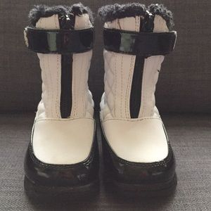 Size 6 Toddler Totes Black & White Snow Boots